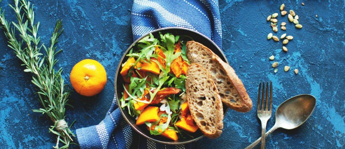 bright-salad-with-bread-iStock-635912088