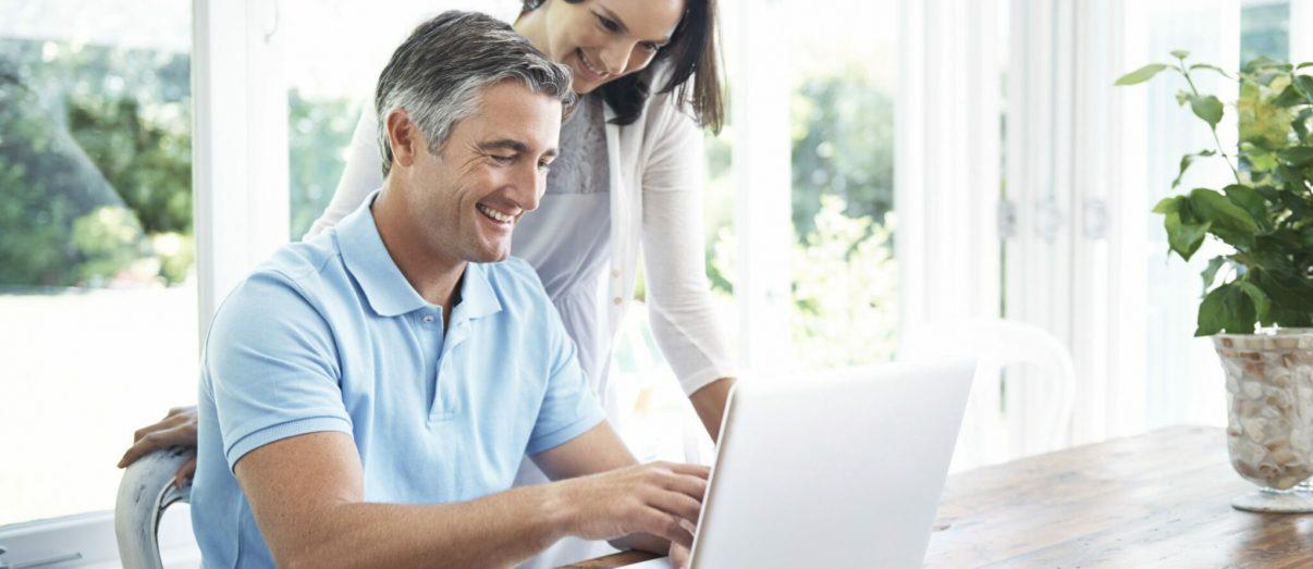 couple-on-laptop-iStock_000057360150
